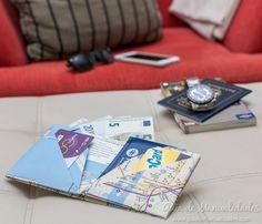 Billetera de origami con un mapa