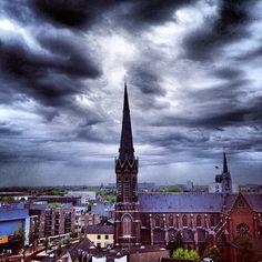 Tilburg extreem weer komt eraan  extreemweer via @janvaneijndhoven - #MooiTilburg
