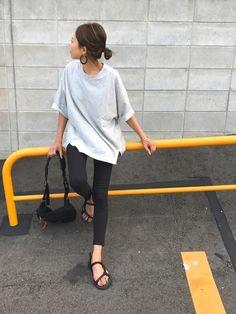 ビックシルエットTシャツに細身パンツ. 楽々カジュアルスタイル☺︎ Instagram→mailif