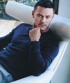 #ihaveaheartattack #sexy #sexiestmanonearth #lukeevans