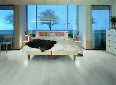 Pergo Modern Plank - Sensation New England-Ek - original Excellence - Laminatgolv . Laminate Flooring Basement, Herringbone Laminate Flooring, Laminate Flooring Colors, Wide Plank Flooring, Bedroom Flooring, Best Laminate, Wood Laminate, Floor Colors, Grey Oak