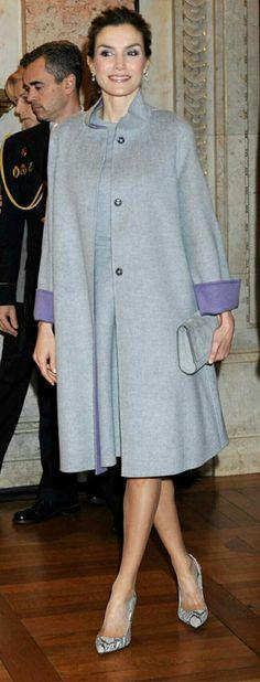 Queen Letizia - Carolina Herrera pearl grey double-wool coat and matching dress. Princess Letizia, Queen Letizia, Lady Like, Carolina Herrera, Royal Fashion, Timeless Fashion, Style Royal, My Style, Girly Girl