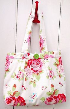 .Lovely Rose Tote