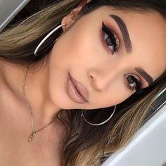 Charlotte Tilbury Luxus Make-up Sephora Huda Schönheit Natasha Denona Kyliecos Makeup Goals, Makeup Inspo, Makeup Inspiration, Makeup Tips, Makeup Ideas, Eye Makeup, Full Face Makeup, Drugstore Makeup, Makeup Brushes