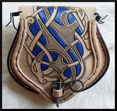 Leather Fanny Pack, Leather Pouch, Leather Backpack, Leather Tooling Patterns, Leather Pattern, Medieval Belt, Leather Carving, Cow Skin, Leather Projects