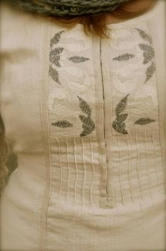 Dorothea - closeup of tunic/kurti on Artisinal board