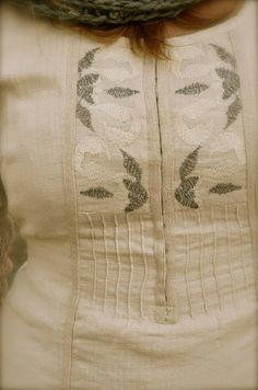 Dorothea - closeup of tunic/kurti on Artisinal board
