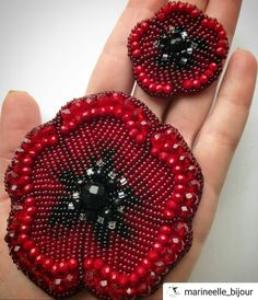 63 ideas embroidery gifts ideas tips for 2019 Bead Embroidery Jewelry, Fabric Jewelry, Beaded Embroidery, Beaded Jewelry, Kids Crafts, Diy And Crafts, Beaded Crafts, Beaded Brooch, Beading Projects