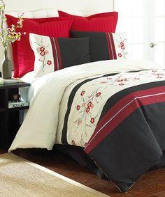 Embroidered Neru Comforter Set