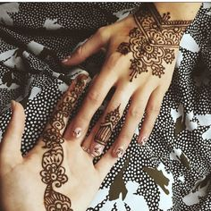 Tent with a henna artist