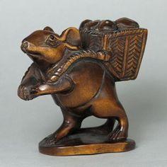 Boxwood Netsuke CUTE RAT Carving