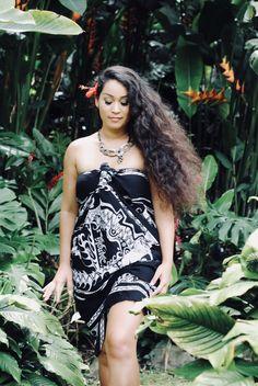 Polynesian Girls, Male To Female Transition, Hawaiian Girls, Hula Dancers, Tribal Women, Rugged Style, Native American Women, Local Girls, Island Girl