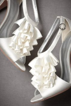 Complete your wedding day look with a pair of classic bridal shoes. BHLDN offers wedding heels that are as beautiful as they are comfortable, no matter your venue. Shop wedding shoes for the bride now! Hot Shoes, Crazy Shoes, Me Too Shoes, Shoes Heels, Pumps, Bride Shoes, Wedding Shoes, Wedding Girl, Mode Vintage