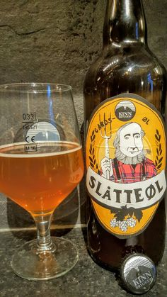 Kinn Bryggeri Slåtte Øl. Watch the video beer review here…