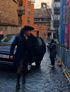 """Spotted outside Holyrood ApartHotel is @SamHeughan getting ready to film season 3 of the hit TV show #Outlander"""