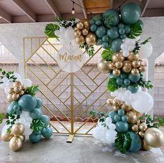 Balloon Gift, Balloon Wall, Balloon Arch, Balloon Garland, Balloons, Diy Backdrop, Backdrops, 28th Birthday, Balloon Decorations Party