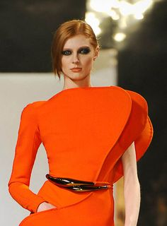 Fantastic shape and color: Stephane Rolland, Spring 2011 Couture Couture Fashion, Runway Fashion, High Fashion, Womens Fashion, Stephane Rolland, Jean Louis Scherrer, Glamorous Chic Life, Fashion Details, Fashion Design