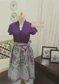 Kebaya Lace, Batik Kebaya, Blouse Batik, Batik Dress, Dress Brukat, Blouse Dress, Pretty Outfits, Pretty Dresses, Batik Couple