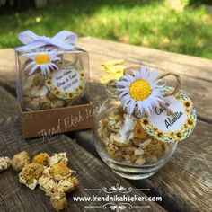Trend Nikah Şekeri - Part 2 Wedding Candy, Wedding Games, Wedding Favors, Event Planning Checklist, Wedding Bottles, Unique Recipes, Wedding Trends, Glass Bottles, Daisy