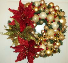 Red and Gold Wreath   dardawn.etsy.com