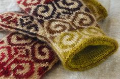 Finished Objects: Mom's Mittens | Hello Yarn
