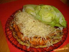 "Plnená zemiaková / cukinová / placka  masom a fazuľou ..... ""Drotárska kapsa"" Cabbage, Spaghetti, Vegetables, Ethnic Recipes, Food, Meal, Eten, Vegetable Recipes, Meals"