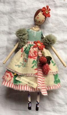 Tiny Dolls, Cute Dolls, Fabric Dolls, Paper Dolls, Rag Dolls, Clothespin Dolls, Little Doll, Doll Crafts, Doll Patterns