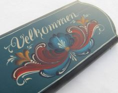 """Norwegian Rosemaling in Romsdal Style on a 10"""" Bass Wood Plaque"""