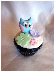 Owl Cupcakes for Aria's Mommy & Daddy