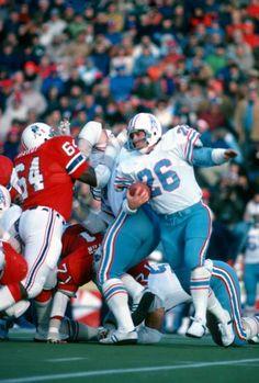 Nfl Football Teams, School Football, Mlb, Houston Oilers, Nfl History, Oregon Ducks Football, Football Conference, Tennessee Titans, Vintage Football