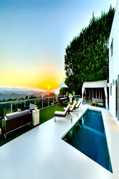 Hotel California, California Style, Los Angeles Apartments, Spring Break Destinations, Beverly Hills Hotel, Luxury Apartments, Workout Equipment, The Good Place, Table Furniture