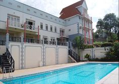 Kololo-Kampala Fully furnished 2 bedroom unit in Kololo . Rent is exclusive of electricity bills. Family Apartment, 1 Bedroom Apartment, Furnished Apartments, Electricity Bill, Apartment Complexes, Open Plan, Car Parking, Living Area, Mansions