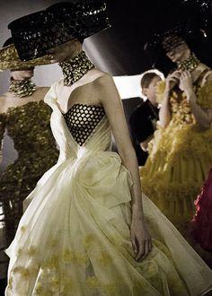Backstage Alexander McQueen İlkbahar-Yaz 2.013 | Evet Moda Couture lanet