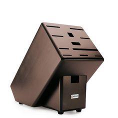 MESSERBLÖCKE - Gut geschützt und immer griffbereit bewahren Sie Ihre Messer im Holzblock auf. Ein Blickfang in jeder Küche. Für 12 Teile.
