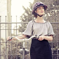 Yakkay Helmets: Dress Your Helmet Like A Hat