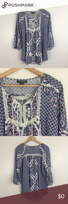 "3/4 Sleeve Lace Maternity Tunic NWOT A Pea in the Pod Maternity Tunic. Mixed print. Split neck with pintuck and lace details. 97% polyester, 3% spandex. Machine washable. Size M. Approx. 21' bust, 28"" long from shoulder to front hem, 30"" long from shoulder to back hem. NWOT. A Pea in the Pod Tops Blouses"