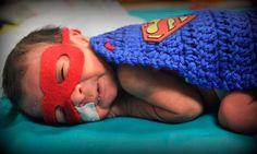 Una enfermera hizo trajes de súper héroes para los bebés prematuros ¡y se ven hermosos!