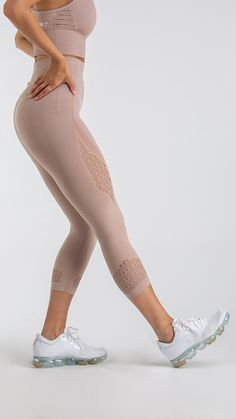 Combining beautiful design with our innovative Seamless technology. The Energy Seamless Leggings feature ribbed detailing woven into luxuriously soft fabric, enhancing your physique whilst supporting your workout. High waist offers elite support, with a close and comfortable fit that feels secure. DRY technology wicks sweat from the skin, whilst soft fabric stretches effortlessly with your movements. Complete with eyelet detailing to the ankle and thigh.