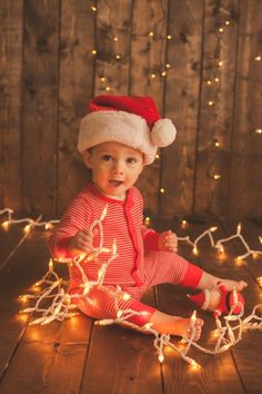 10 Baby Christmas Pictures to Take - My Life Well Loved cookies food Christmas Pictures Family Outdoor, Xmas Photos, Xmas Pictures, Family Christmas Pictures, Toddler Pictures, Baby Pictures, Babies First Christmas, Christmas Christmas, Jamberry Christmas