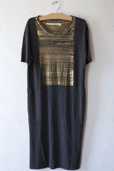 raquel allegra gold paint tee dress – Lost