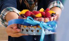 Pudim de fruta. Uma sobremesa cheia de cores, esta receita de pudim de fruta é fácil de fazer e é bom para qualquer dia.