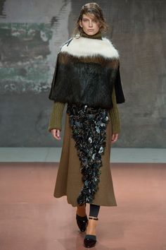Marni Fall 2014 RTW - Review - Fashion Week - Runway, Fashion Shows and Collections - Vogue