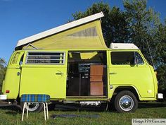 1974 VW Westy Pop-Top Camper bus