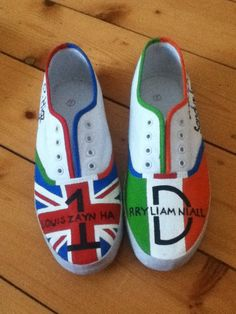Hand Painted One Direction Shoes One Direction Shoes, One Direction Merch, Direction Quotes, Harry Styles Cute, Hand Painted Shoes, Cool Bands, Keds, Me Too Shoes, My Style