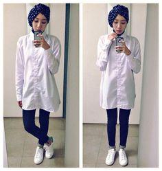 ootd. casual hijab outfit oversized white shirt, jeans, turban, navy, white sneakers, stan smith, minimal, minimalist, monochrome  Syaifiena W lookbook.nu/syaifiena