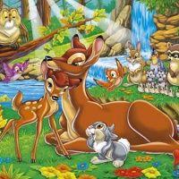 Bambi recebe carinho da sua mãe na floresta