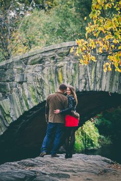 Fall Central Park Engagement Shoot | Photo: RM Digital Photography | Aisle Perfect | http://aisleperfect.com/2015/09/fall-central-park-engagement-shoot.html #engagement #autumn #newyork #couple