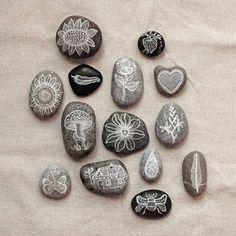 Feel like making something?  Me too - and I just couldn't resist sharing these with you...  aren't they cute!?!