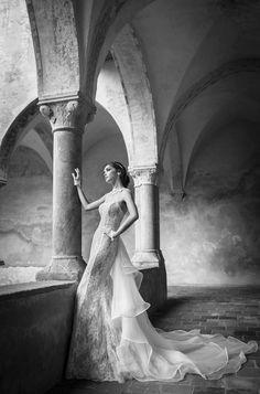 SWINDE www.alessandrarinaudo.it #nicolespose #weddingdress #hautecouture