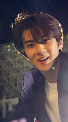 I freaking love his crooked teeth he has lingual braces on rn to fix them but they are the cutest thingggg Kaisoo, Chanbaek, Exo Ot12, Baekhyun Chanyeol, K Pop, Rapper, Luhan And Kris, Sehun Cute, Exo Lockscreen